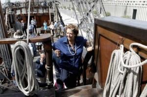 La alcaldesa Rita Barberá en el mercante de época atracado en la Marina Real/e.p.