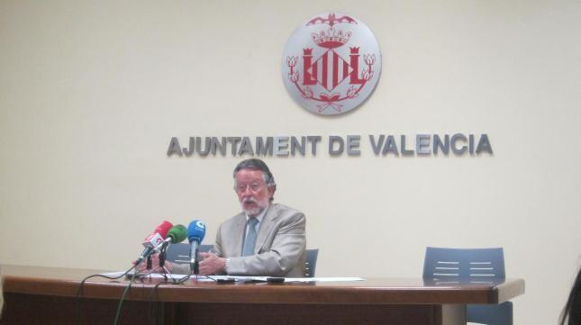 El vicealcalde, Alfonso Grau, en una rueda de prensa