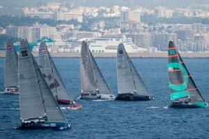 Los barcos en plena competición