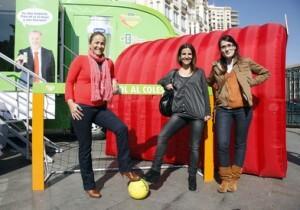 Lourdes Bernal visita la caravana Cardiotur/ayto vlc