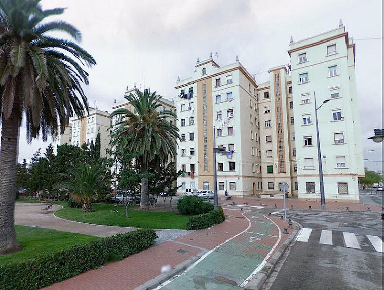 El plan del Cabanyal prevé derribar el bloque de viviendas de Ruiz Járabo o de Astilleros.