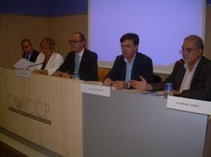 Mesa de ponentes en la conferencia de hoy en el Colegio de Ingenieros de Caminos con la concejala Ramón-Llín