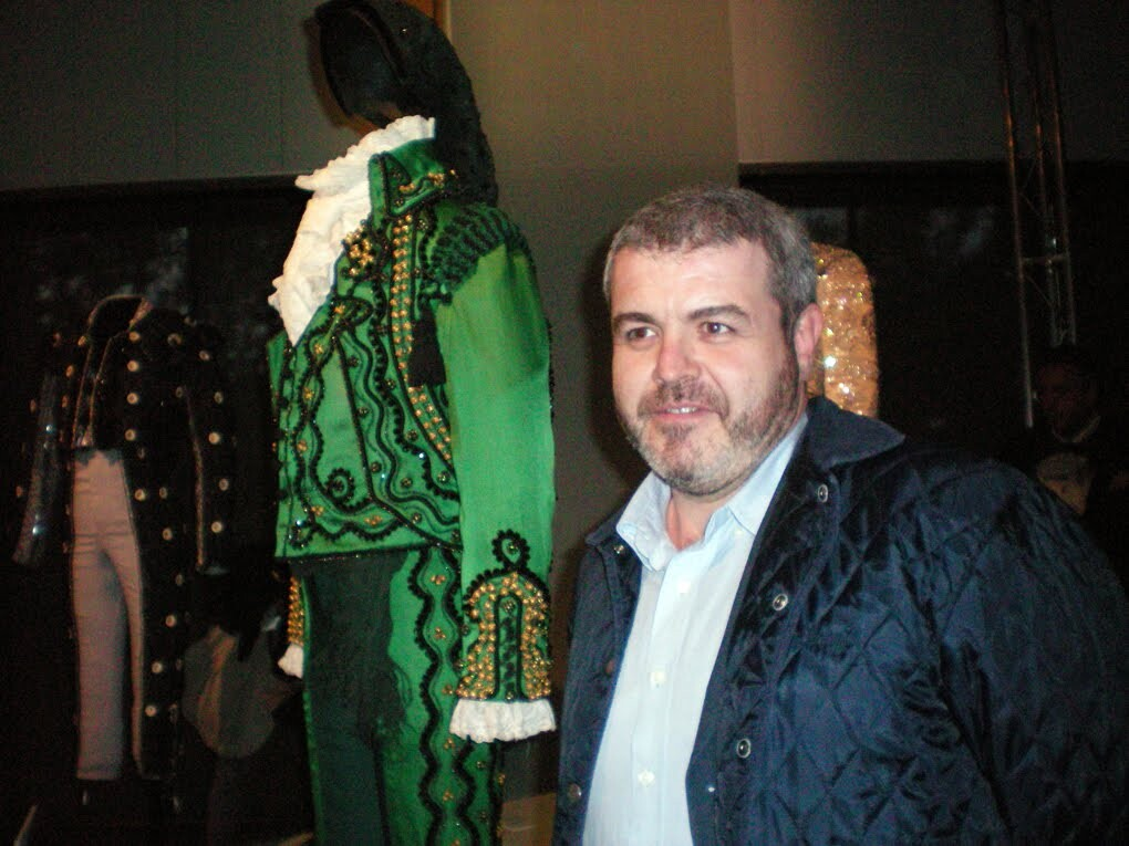 El modisto Lorenzo Caprile recibe el premio del gremio valenciano