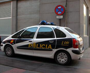 Un vehículo de la policía nacional en una labor de vigilancia/cnp