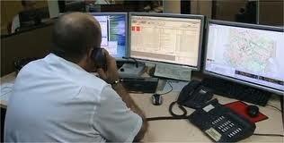 Un coordinador de la sala de control de tráfico de la EMT