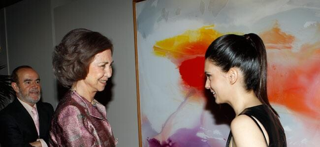 La Reina Doña Sofía entrega el galardón BMW de pintura a Cristina Gamón, ganadora de la Beca Velázquez