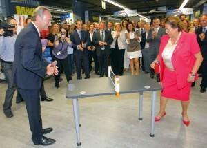 El presidente de la Generalitat y la alcaldesa de Valencia juegan al ping-pong/jose sapena-ayto vlc.