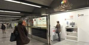 Oficina de atención al viajero de la EMT en la estación del metro de Colón