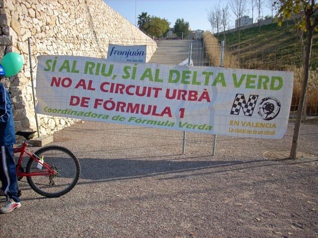 Una protesta contra la celebración de la Fórmula 1 en detrimento de los barrios