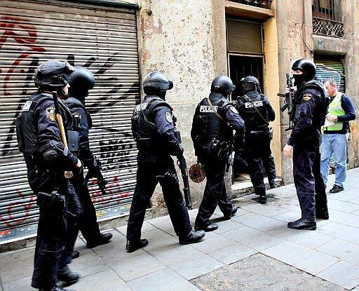 Un grupo de agentes del GOES de la Policia Nacional en una operación anterior