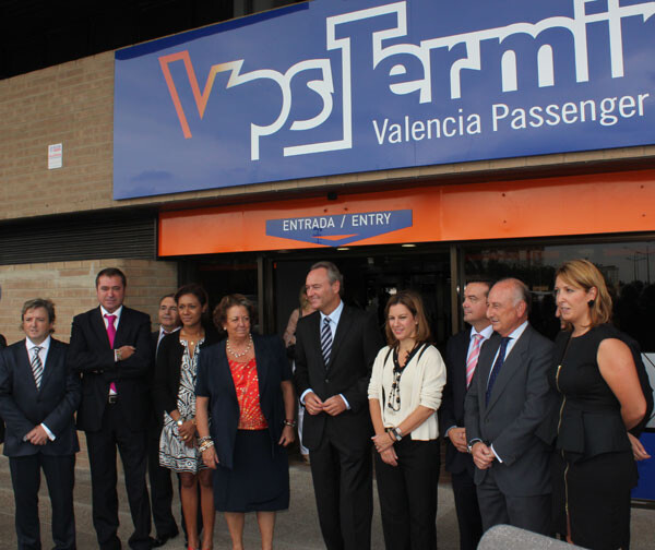 La alcaldesa de Valencia, Rita Barberá, y el President de la Generalitat, Alberto Fabra, encabezaron la comitiva de autoridades en la inauguración de la nueva terminal portuaria.
