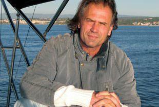 Juan Ballester, galardonado en los Premios de la Crítica Literaria Valenciana