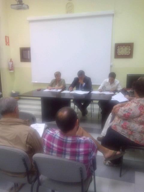 La junta del Marítimo celebró pleno en la tarde de ayer miércoles presidida por el concejal Cristóbal Grau/vlcciudad