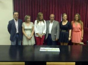 El jurado que elegirá a la corte de honor infantil de 2013/j.b.