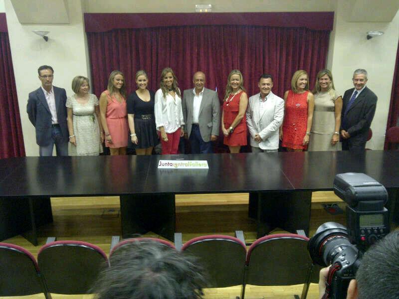 Los dos jurados que elegirán a las cortes de honor con el edil de Fiestas, Paco Lledó/j.b.