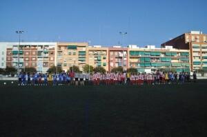 Los dos equipos antes de empezar el encuentro