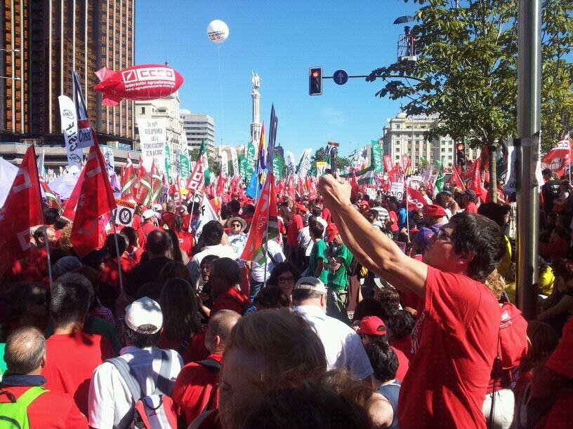 Miles de valencianos han participado en la manifestación/i.v.