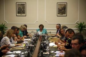 La alcaldesa, Rita Barberá, presidió la reunión de la Junta de Protección Civil/josé sapena