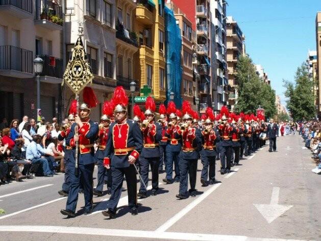 La banda de San Luis Bertrán en el desfile de la Semana Santa Marinera/slb