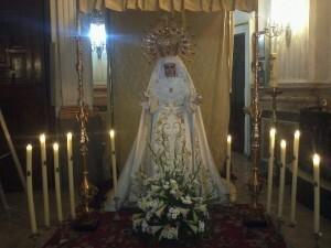 La Virgen de los Dolores, la Dolorosa, del Grao entronizada para el Besamanos de hoy/granaderosgrao