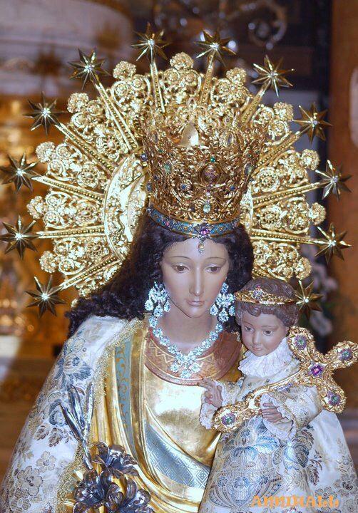 La Virgen de los Desamparados.
