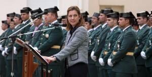 La delegada del Gobierno, Paula Sánchez de León, pronuncia el discurso ante los efectivos de la Guardia Civil en el cuartel de Cantarranas en el Grao/vlcciudad