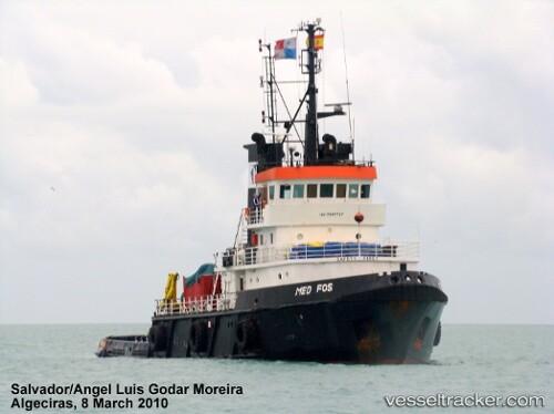 El remolcador Med Fos ya se encuentra en aguas de El Saler