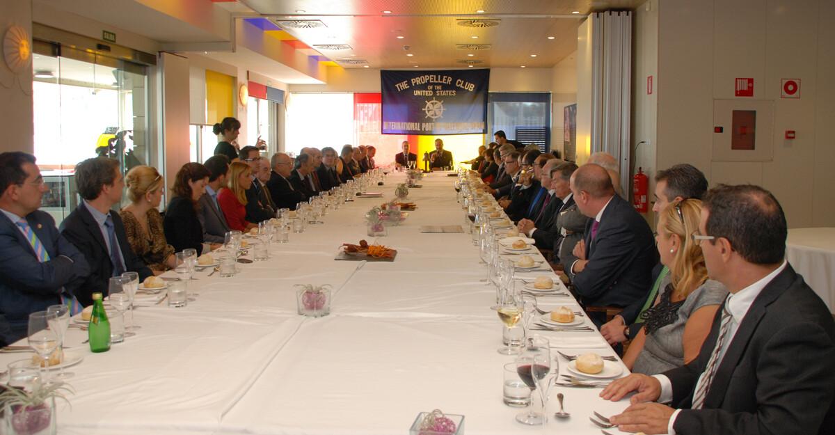 Vista general del almuerzo del Proppeler Club celebrado en el restaurante del Hotel Neptuno/p.c.