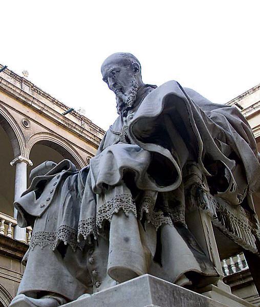 Escultura de San Juan de Ribera en el Patrairca