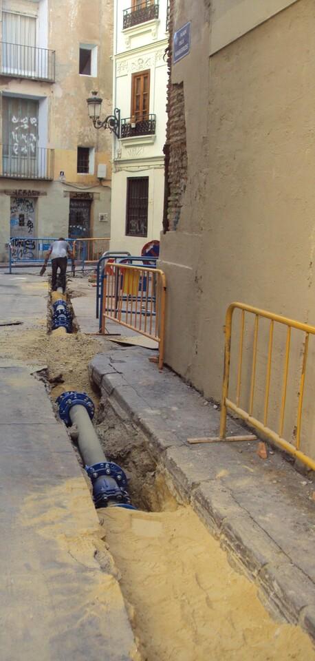 Obras de saneamiento en la plaza del Ángel/aytovlc