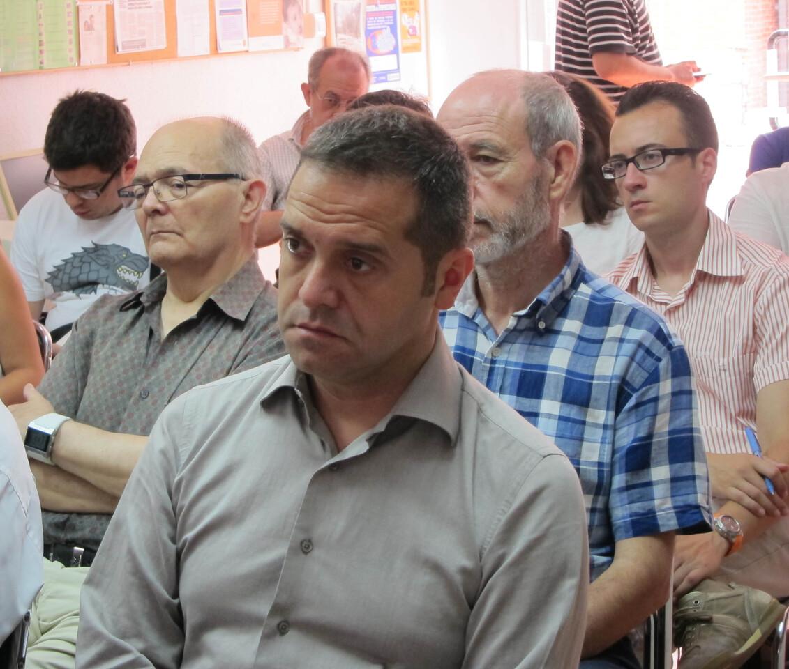 Amadeu Sanchis en el local de la asociación de vecinos de Benicalap/vlcciudad