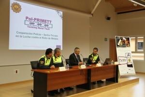 El concejal de Seguridad, Miquel Domínguez, y el jefe de la Policía Local, Andrés Rabadán, presidieron la inauguración/plv