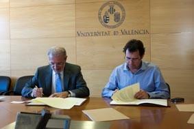 El rector de la Universidad y el presidente del Mercat Central rubrican el convenio/universidad