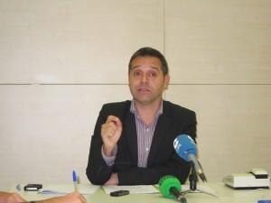 El portavoz de Esquerra Unida, Amadeu Sanchis, en la rueda de prensa de hoy/eu