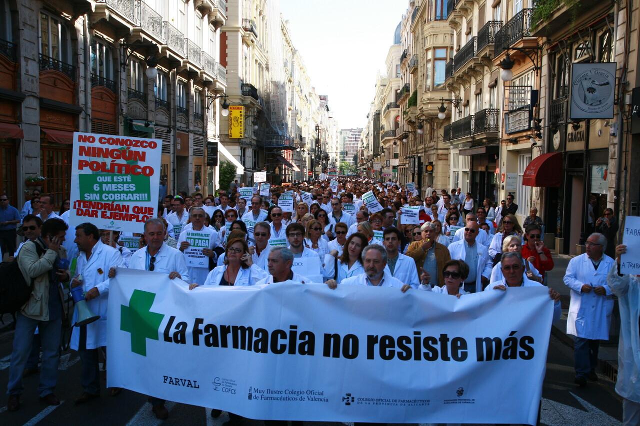 Cabeza de la manifestación de los farmacéuticos/micof