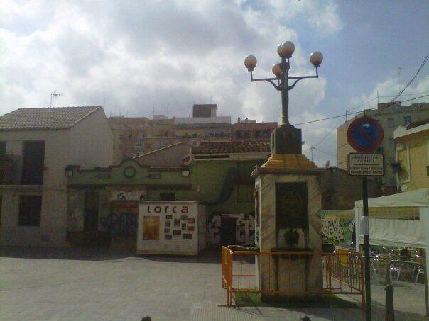 La Asociación de Vecinos de Patraix ha convertido su plaza en una más de la Región de Murcia/aavv