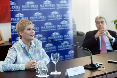 Isabel Rey ayer durante la rueda de prensa en el Palau/eva ripoll