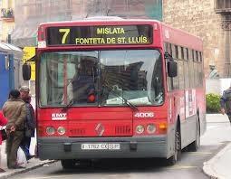 Un bus de la línea 7 que cubre Mislata que podría desaparecer en breve