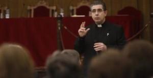 Miguel Angel Bondía durante la defensa de sus tesis doctoral sobre El Patriarca/archivalencia