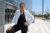 Ana Morskova en una instantánea de hace cinco años delante de la entrada a Feria Valencia.