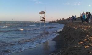 Vista de la playa donde Compromis denuncia la regresión/Compromís