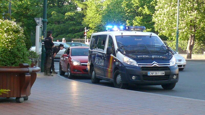 Control de la Policía Nacional en una calle de una ciudad
