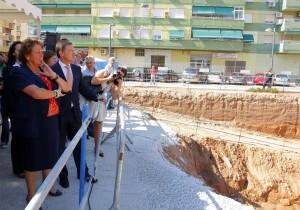 La alcaldesa Barberá y el conseller Castellano contemplan las obras donde se levantará el complejo policial/ayto vlc