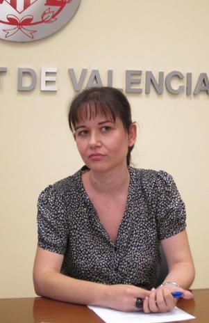 La concejal Rosa Albert en una comparecencia ante la prensa/eu