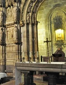El Santo Cáliz en la hornacina de su capilla en la Catedral
