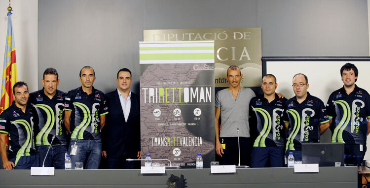 Víctor Cerdá y el equipo de Trirettoman