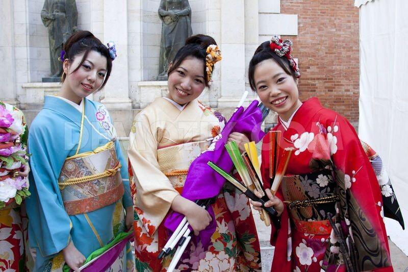 1353779008-japan-week-2012-opens-in-valencia_1627948