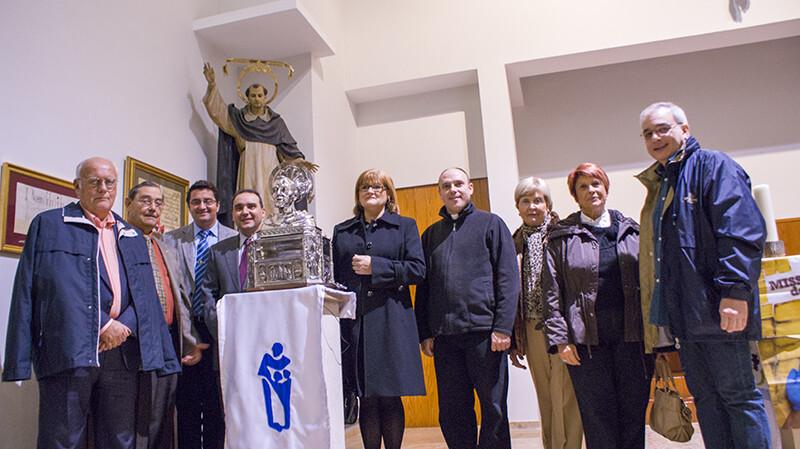 La Honorable Clavariesa con los vicepresidentes y la figura del patrón del Reino de Valencia/jcv