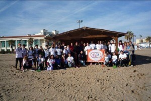 Los voluntarios biodegradables que participaron en la II jornada de limpieza/ayto vlc