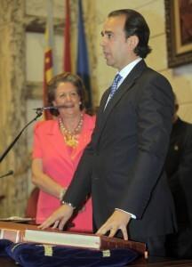 l concejal Alberto Mendoza el día que tomó posesión como concejal/ayto vlc